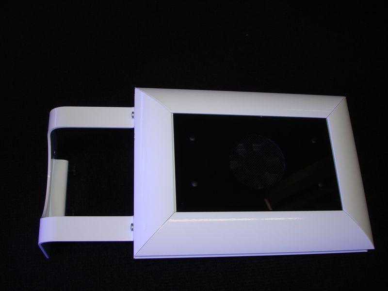 Teszla LED light by Geisemann with optional mountinng bracket